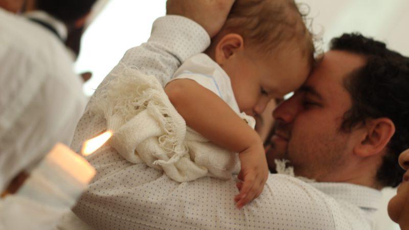Comment bien organiser le baptème de son enfant ?
